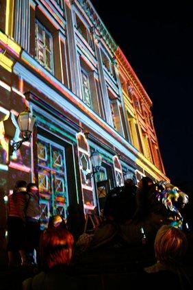 Löwengebäude Hallumination